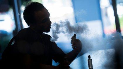 Varios estados de EEUU están tomando medidas contra los cigarrillos electrónicos (Bloomberg)