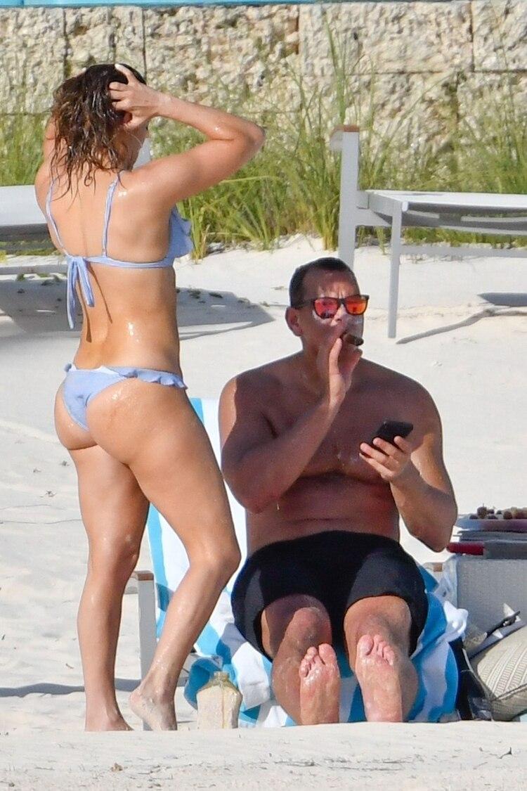 Jennifer López y Alex Rodríguez disfrutando de unas vacaciones en Bahamas (Grosby)