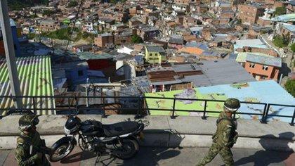 En 2002 se llevó a cabo la Operación Orión, la intervención militar urbana más grande en la historia de Colombia, que dejó 71 muertos, 80 heridos y 350 detenidos por acción de las autoridades.