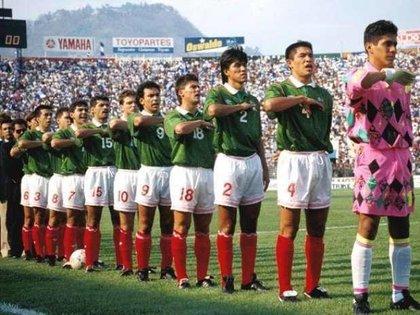 selección mexicana de 1994 (Foto: Twitter@jcrpumas21)