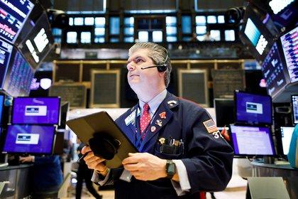 Acciones de empresas de los EEUU que cotizan en Wall Street negocian sus certificados en el mercado bursátil argentino (EFE)