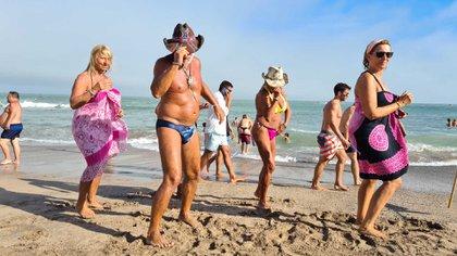 El cuarto fin de semana del año fue lo mejor del mes: el clima acompañó y las playas recibieron mucha gente, tanta que algunas debieron por tener la capacidad completa