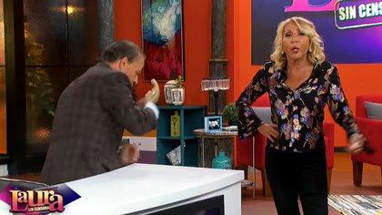 Laura le pidió a Adame que se retirara del programa y éste accedió de inmediato (Captura YouTube-Unicable)