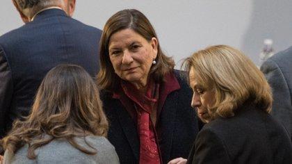 Martha Bárcena (centro), la embajadora de México en Estados Unidos (Foto: Cuartoscuro)