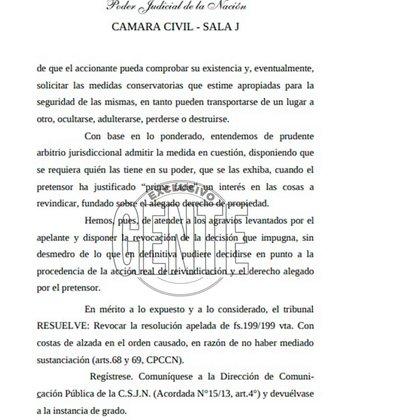 La causa en la que se determinó que próximannente se haga en el departamento de Segurola y La Habana un relevamiento de las famosas camisetas y los trofeos que el Diez le reclama a Claudia, con la presencia de los abogados de ambas partes.