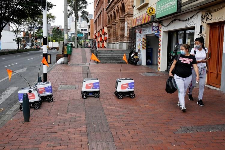 Robots de Delivery trabajando en plena pandemia (Reuters)