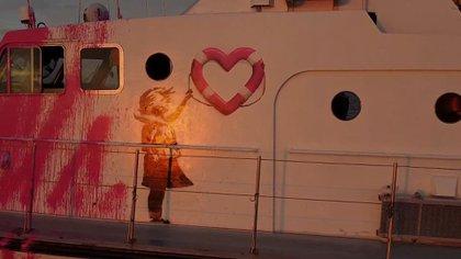 El barco Louise Michel, del artista británico Banksy.  MV Louise Michel / REUTERS
