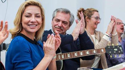 Fabiola Yáñez, Fernández y Cecilia Gómez Mirada en el asado del Grupo Callao este sábado