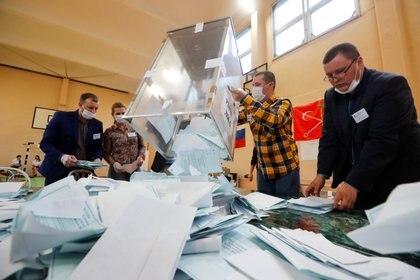 """Navalny denunció """"falsificación"""" en los resultados del referéndum impulsado por Putin (REUTERS/Anton Vaganov)"""