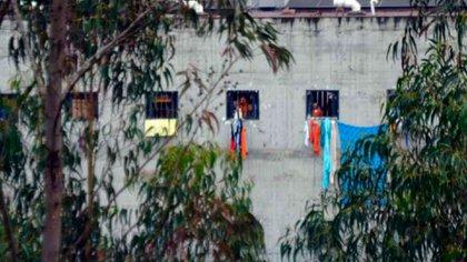 Al menos 62 reclusos murieron en los motines de tres cárceles en Ecuador este martes
