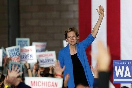 Warren durante un mitín en Detroit (REUTERS/Rebecca Cook)