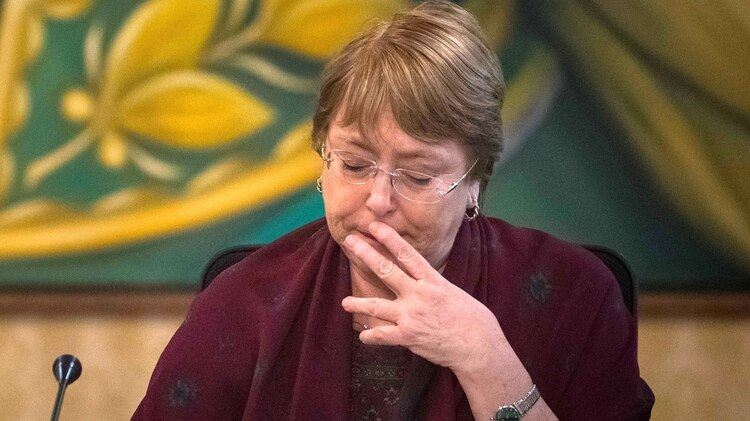 Michelle Bachelet se reunió con familiares víctimas de la represión chavista (EFE/ Miguel Gutiérrez)