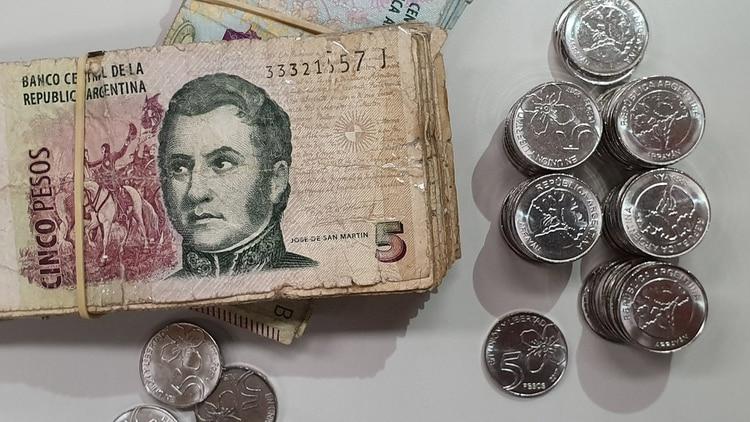 Hoy convive con la moneda del mismo valor, a partir del 1 de abril los comercios aceptarán solo la moneda