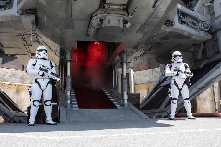 Una imagen del parque temático de Star Wars, Galaxy's Edge, la última adición a Disneyland en California (Beth Coller/The New York Times)
