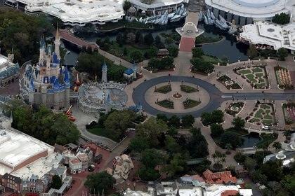 Así se veía el 16 de marzo el Magic Kingdom, sin visitantes REUTERS/Gregg Newton/File Photo