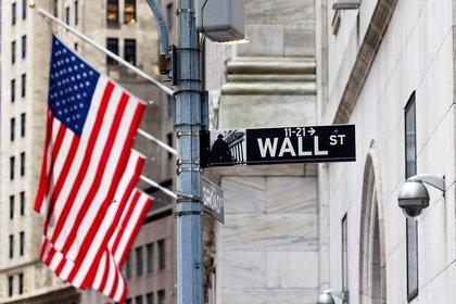 Los retrocesos en Wall Street impactaron en los mercados emergentes. EFE/Justin Lane