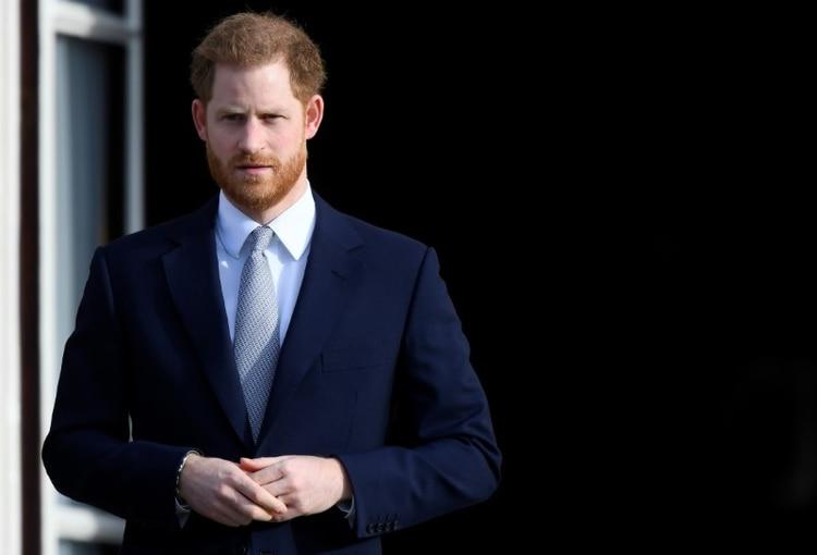 El príncipe Enrique de Gran Bretaña asiste a un evento de rugby en los jardines del Palacio de Buckingham en Londres, Gran Bretaña, 16 enero 2020 (REUTERS/Toby Melville)