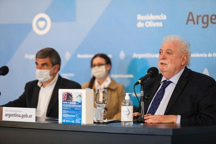 El ministro de Salud, Ginés González García, presentado en conferencia de prensa el NEOKIT-COVID-19 (Ministerio de Salud)