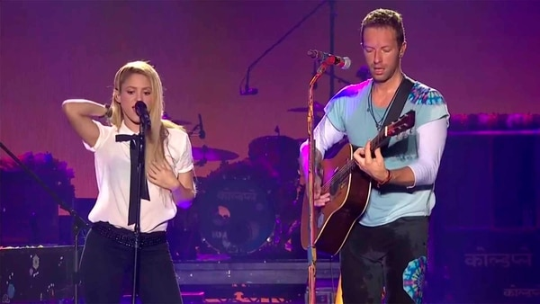 Shakira con Chris Martin, de Coldplay