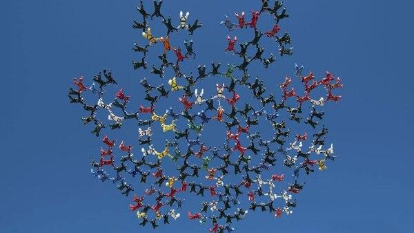 El Increíble Salto De 217 Paracaidistas Que Se Lanzaron Al