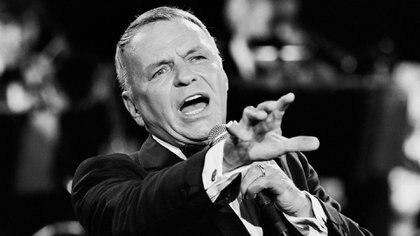 """Frank Sinatra tuvo una voz irrepetible que un crítico definió como """"un timbre suavemente dorado, cantando con la música, respirando la melodía, de elegante dicción, sin preciosismos, y un magnetismo único"""". Es decir: la perfección (Shutterstock)"""
