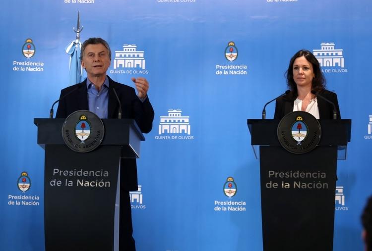 El presidente Mauricio Macri junto a la ministra de Desarrollo Social, Carolina Stanley