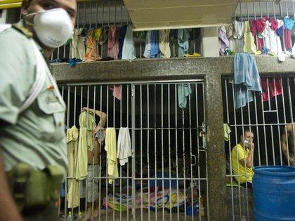 El hacinamiento de reclusos es un problema que aqueja a todas las cárceles del país.