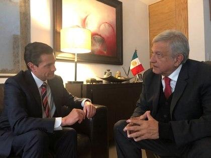 Comparada con la gestión de su predecesor, Enrique Peña Nieto (2012-2018), el 60% cree que la de López Obrador es mejor (Foto: Reuters)