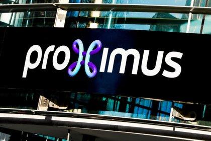 La operadora belga de telecomunicaciones Proximus revisó este viernes al alza sus previsiones para 2020 por los buenos resultados del tercer trimestre, a la vez que anunció el cierre de todos sus puntos de venta por la situación sanitaria en Bélgica. EPA/STEPHANIE LECOCQ/Archivo