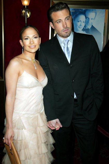 """Jennifer Lopez y Ben Affleck en el estreno de """"Maid in Manhattan"""" (2002)"""