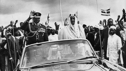 Idi Amin, con el rey Faisal de Arabia Saudita durante su visita a Uganda en 1972 (CAMERA PRESS/Camerapix)
