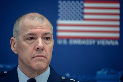 Lieutenant General Thomas Bussiere, Deputy Commander of the United States Strategic Command (USSTRATCOM) during a press conference at the Amerika Haus in Vienna, Austria, 23 June. EFE/EPA/CHRISTIAN BRUNA