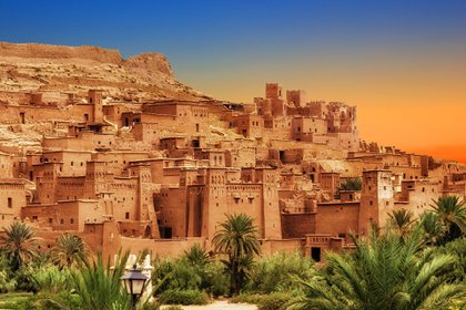 Marruecos vive su momento, con venerables atracciones complementadas con una oferta sostenible y elegante de alojamiento, restaurantes con productos de temporada y retiros costeros de bienestar que combinan yoga y surf