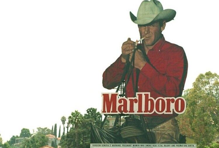 Norris en un anuncio a gran escala (Foto: captura de pantalla)