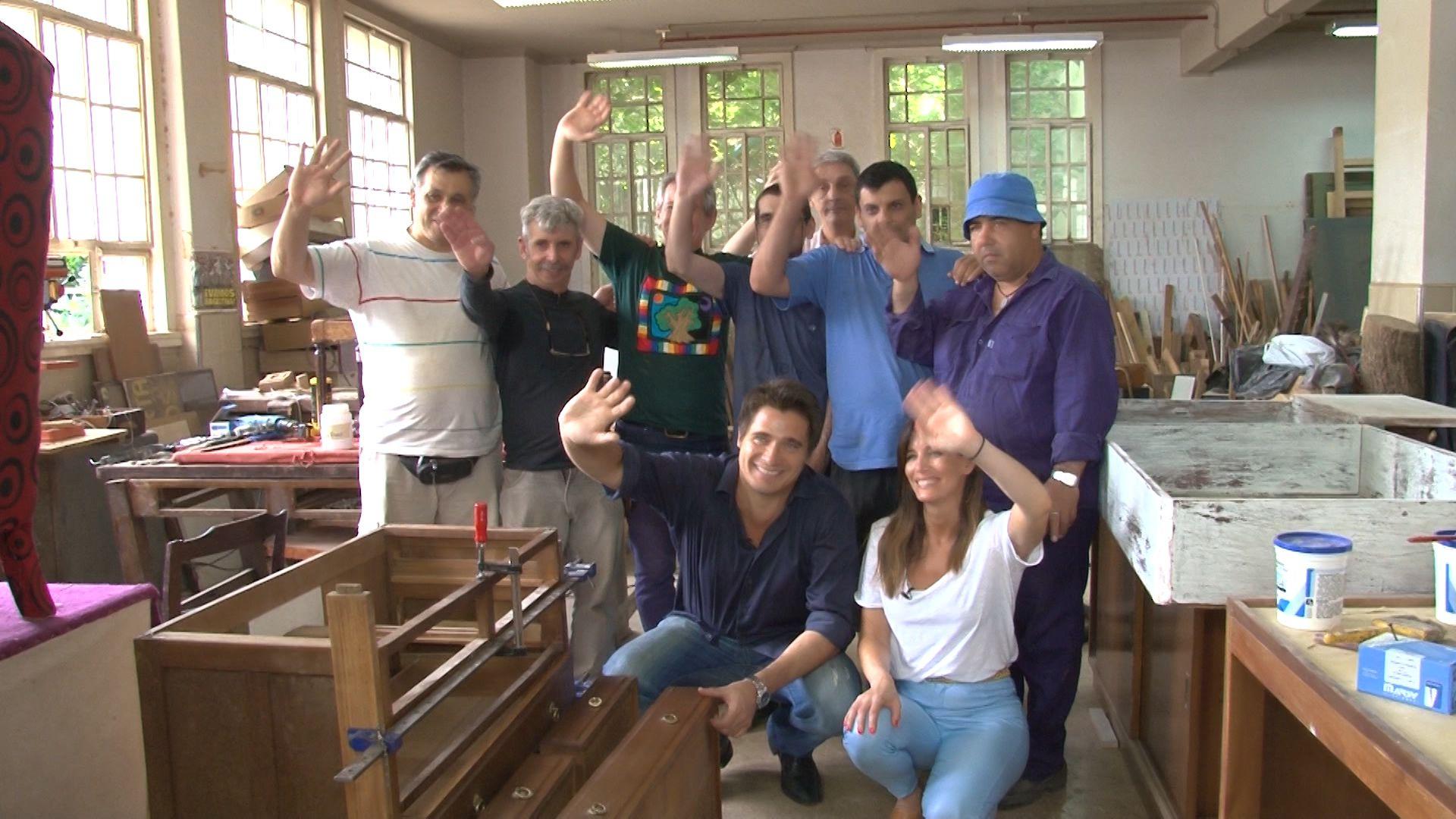 Guillermo Andino y Carolina Prat junto a los internos del Borda que se capacitan en La Huella