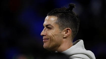 Soccer Football - Champions League - Round of 16 First Leg - Olympique Lyonnais v Juventus - Groupama Stadium, Lyon, France - February 26, 2020  Juventus' Cristiano Ronaldo during the warm up before the match   REUTERS/Eric Gaillard