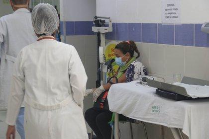 El Consejo Nacional de Salud de Bolivia (Conasa) anunció este jueves que desde el viernes y hasta el 28 de febrero entra en paro general en contra de la promulgación de la Ley de Emergencia Sanitaria (EFE/Juan Carlos Torrejón/Archivo)