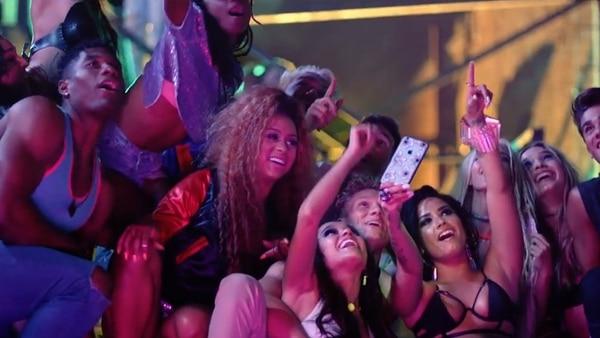 La cantante tuvo una noche de fiesta y excesos antes de quedar inconsciente