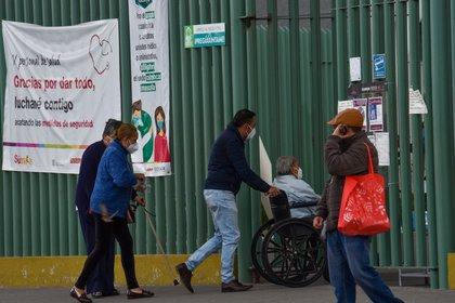 "Las alcaldías Gustavo A. Madero e Iztapalapa forman parte de un programa gubernamental llamado ""Ven y Recarga tu tanque gratis"",  (FOTO: CRISANTA ESPINOSA AGUILAR /CUARTOSCURO.COM)"