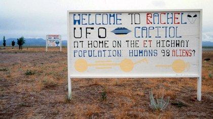 Una de las señales que se en cuentran cerca del Área 51.