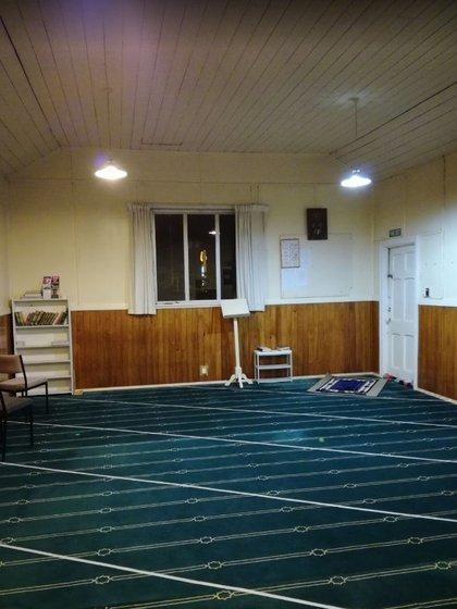 El interior de la mezquita Linwood Masjid (Muhammad Mubashir Mukhtar/Google Maps)