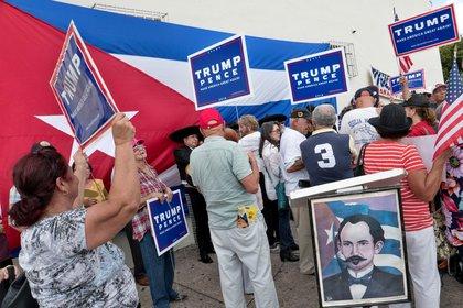 Cubanos simpatizantes de Trump en Florida (EFE/Cristóbal Herrera/Archivo)