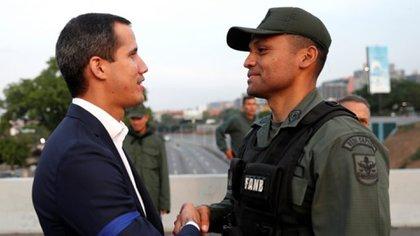 Juan Guaidó con el Comandante Ilich Sanchez