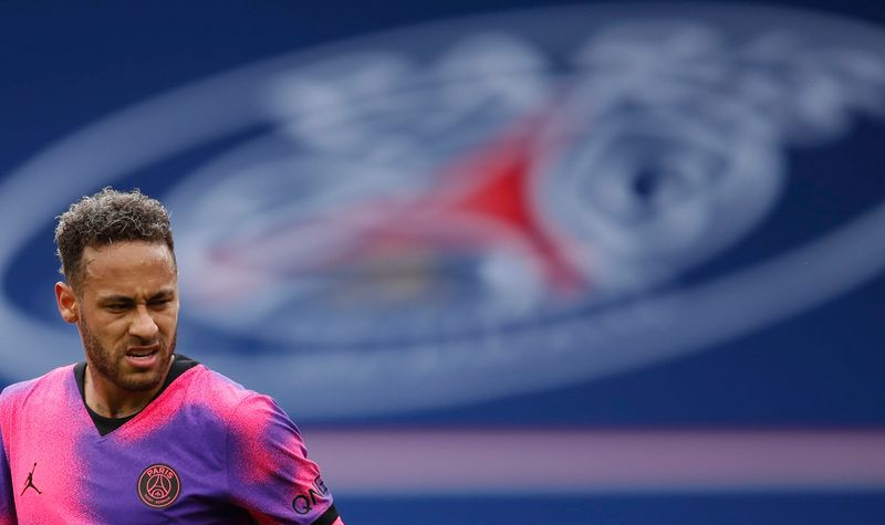 El astro brasileño firmó la renovación de su vínculo con el PSG