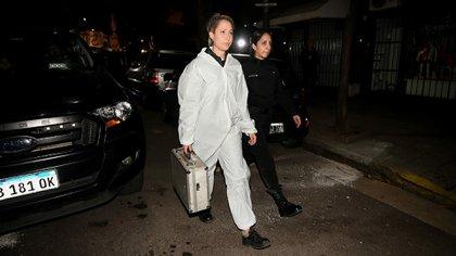 La mujer que retiró el maletín del departamento (Nicolás Stulberg)