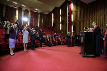Ceremonia de juramentación de los rectores del CNE designados por el Tribunal de Maduro (Reuters)