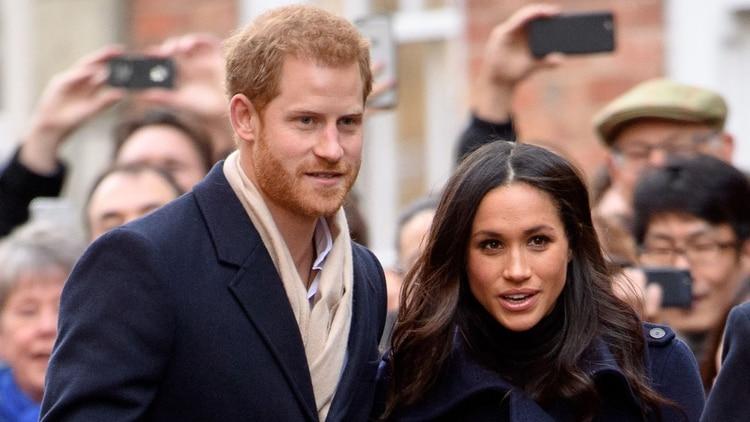 Meghan Markle y el príncipe Harry con su hijo Archie, nacido en mayo de 2019, están viviendo en Canadá tras su salida como miembros de alto rango de la corona/Shutterstock