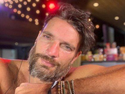 El actor Julián Gil denunció en redes sociales que Marjourie De Souza lo amenazó con quitarle la patria potestad si no paga 400 mil pesos de pensión (Foto: Instagram @Juliangil)