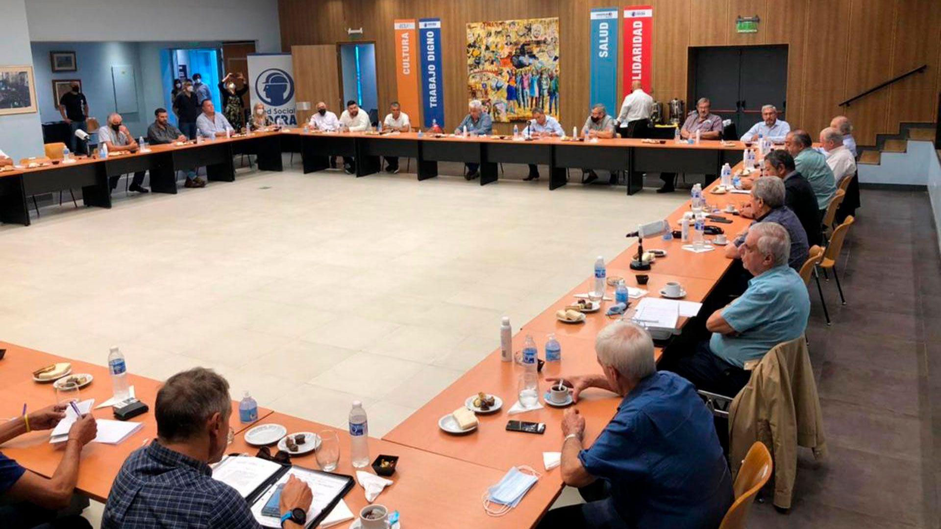 El consejo directivo de la CGT se reunio en la sede de la UOCRA