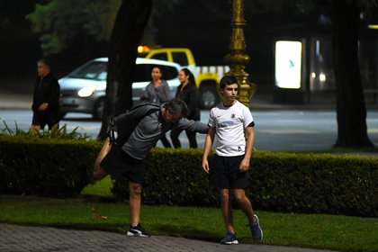 Los entrenadores recomiendan tanto una entrada en calor previo el ejercicio y para el post corrida, un estiramiento (Nicolás Stulberg)
